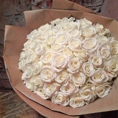 Купить на заказ Букет из 101 белой розы с доставкой в Серебрянске